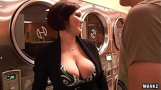 WANKZ- Hot MILF Claire Dames Cums