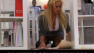 Office slut Shyla Stylez gets a good fuck to release stress