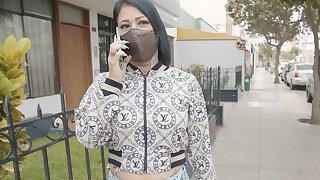 VENEZUELAN MILF Aisha Rengifo caught by young Peruvian