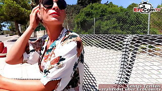 German Mallorca tourist milf picked up for outdoor sex