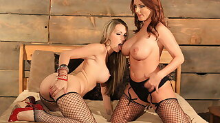 lesbian fishnet babes